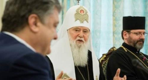 Порошенко подписал закон, освобождающий церковь от уплаты налогов